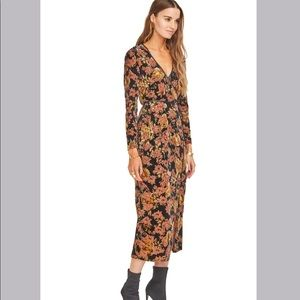 🆕NWT floral velvet burnout wrap midi dress